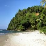 1280px-Hampstead_Beach_(Dominica)